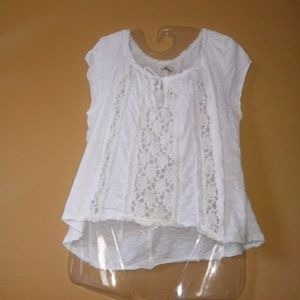 Distressed lace Hollister top